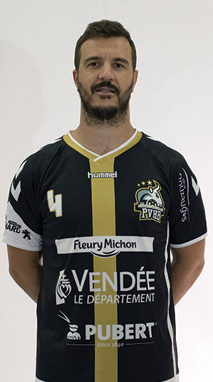 joueurs enrique lara plaza pouzauges vendee handball